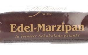 hofbauer_marzipanrolle_mit_schokolade_c_hofbauer_bonbons_anzinger_schokolade_anzinger