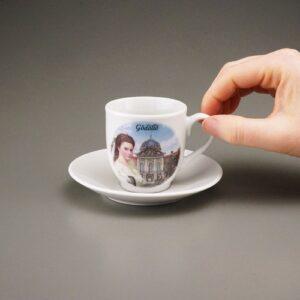 reutterporzellan_kaffeetasse_untertasse_sisi_gödöllö_c_bonbons_anzinger_bonbons_c_2020_schokolade_anzinger